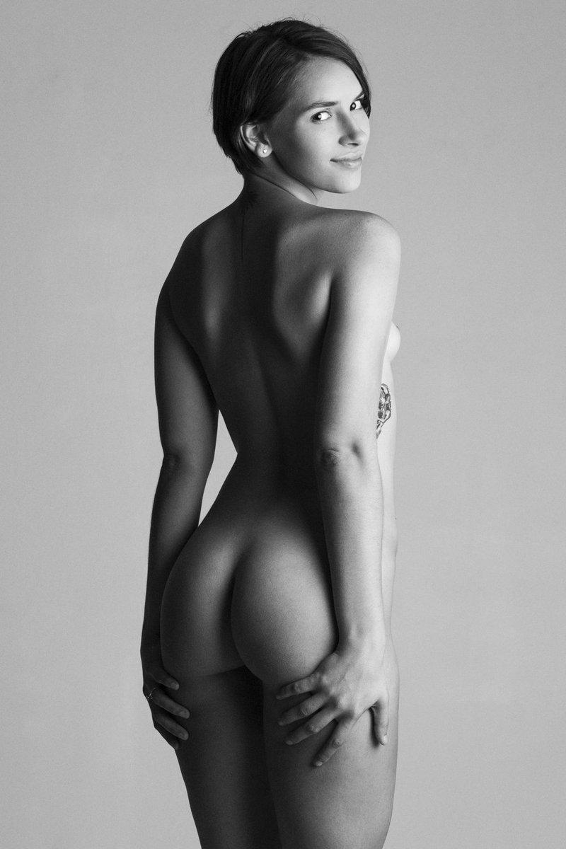 Tasteful nudes in nature