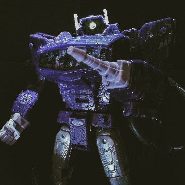 Reposting: @aurban80  -  #collectiondimension #shockwave #transformers #siege #g1 #toyphotography