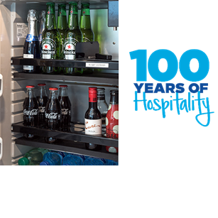 1974 Hilton Popularizes Minibar Did you know Hilton introduced the first hotel minibar to guest rooms? #HILTON100 @hiltonnewsroom @Hilton @Hiltonhonors https://t.co/zI60zYM9Gj