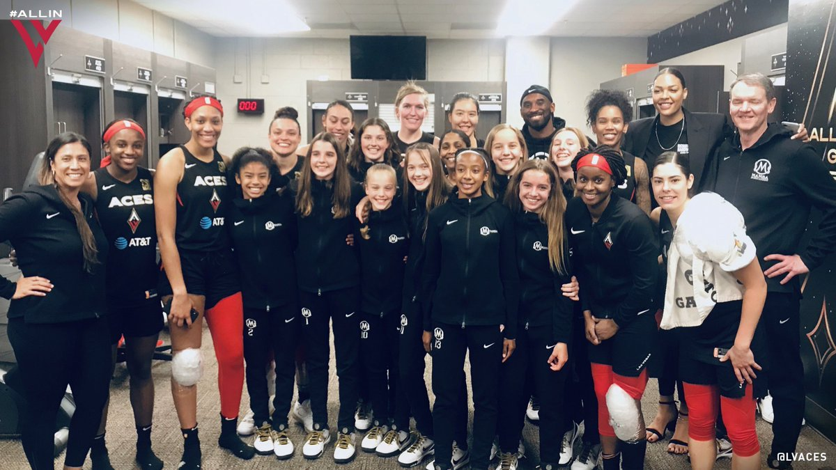 Kobe brought his daughter Gianna and her AAU squad to meet the Las Vegas Aces after their win over the Sparks 💪  (via @LVAces)