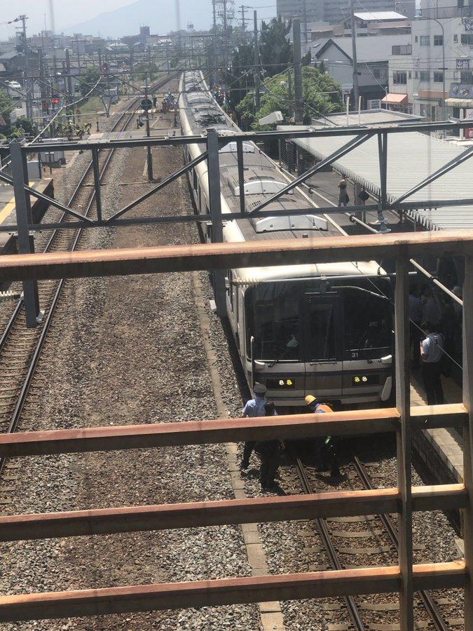 郡山駅の人身事故で救護活動している現場画像
