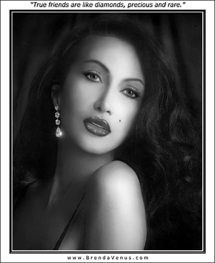 Brenda Venus Nude Photos 17