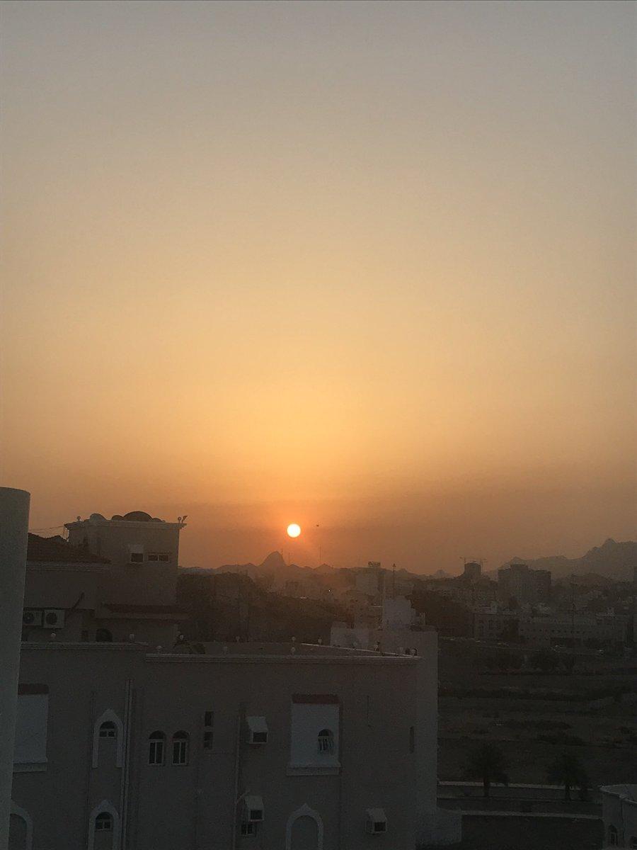 جمال الصلاحي Twitterissa تصوير شروق الشمس صبيحة ليله 23 رمضان ننتظر باقي الايام لكي نقارن ليلة القدر شروق شمس العشر الأواخر العشر الاواخر Https T Co Idql3brg8j