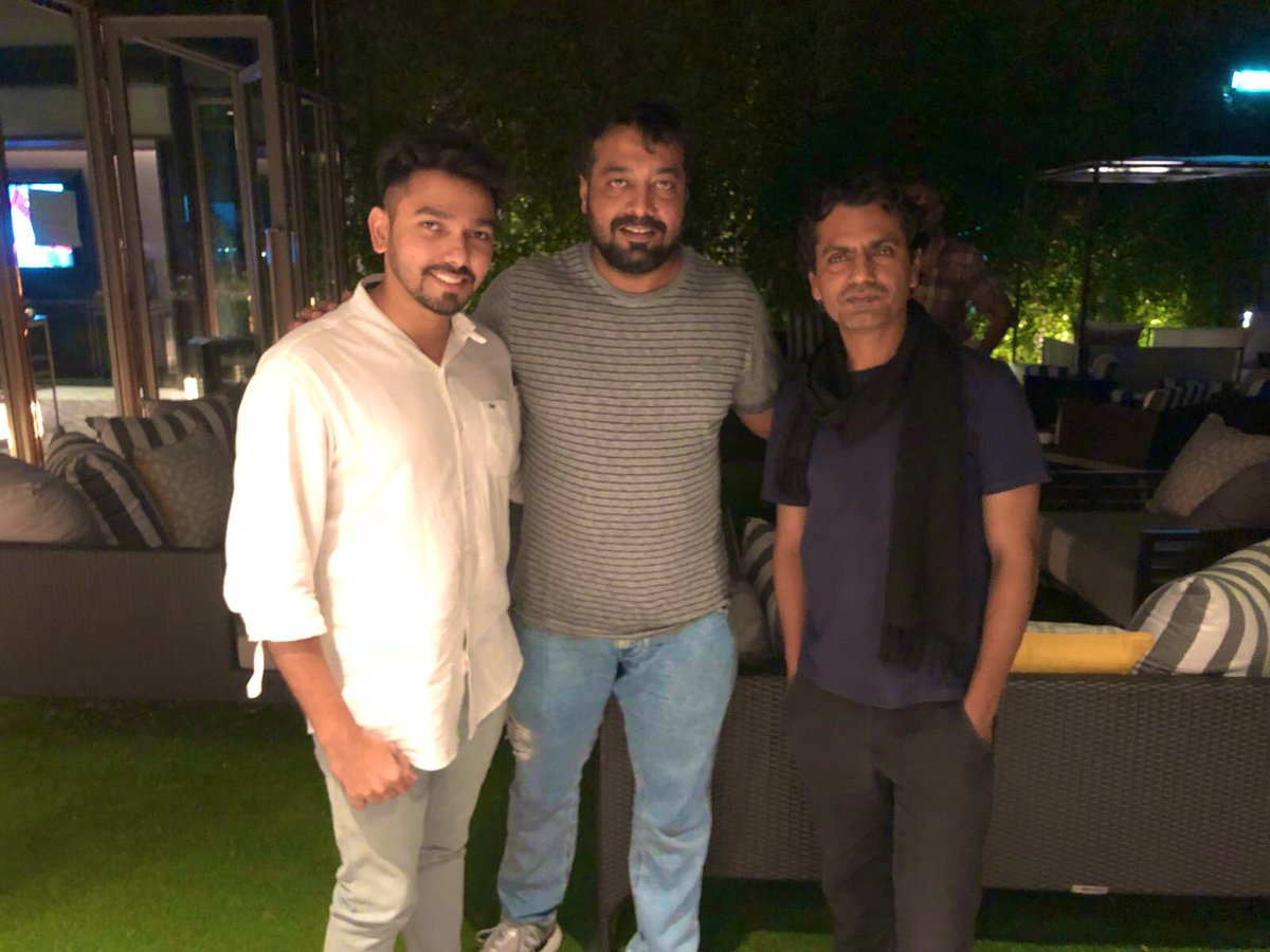 No wonder how much I respect these 2 personalities. Hope you remember sir where is this picture taken..  @Nawazuddin_S @anuragkashyap72 #AnuragKashyap #nawazuddinsiddiqui #bollywood #BollywoodCelebs #bollywoodfilmfestival #BollywoodFlashback