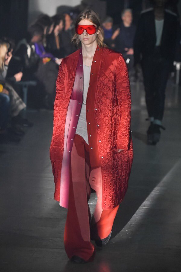 【2019-20AW】 RICK OWENS ウィメンズ&メンズ コレクション  【説明】 RICK OWENSから新コレクション情報。詳細はWEBより✔︎  【詳細】 https://flymmagazine.com/2019-20aw-rick-owens-womens-mens-collection…  #rickowens #2019aw #pariscollection #newcollection #look #リックオウエンス #2019秋冬 #パリコレ #新コレクション #発売日 #ルック