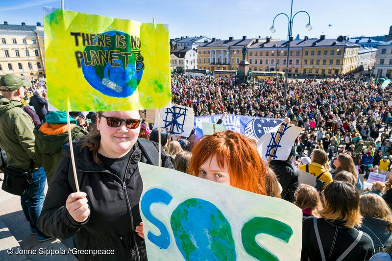 The #EUelections2019 are a real political shake up.  For dominant political parties that have consistently failed to address the concerns of many, it's time to wake up & smell the coffee.  Will parties see the light & support a climate friendly, socially just EU?  #VoteForClimate <br>http://pic.twitter.com/6hCHaxdZSx