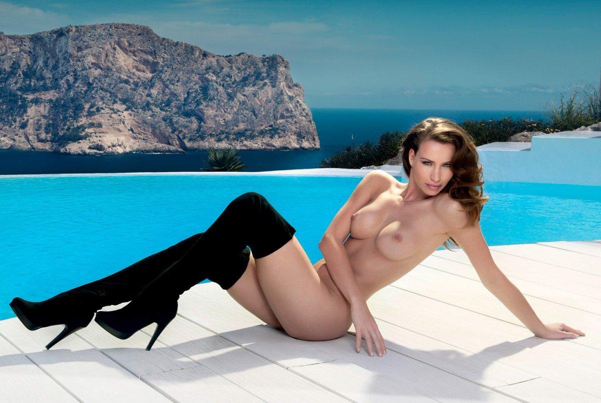 Sexy nude calendars — photo 10