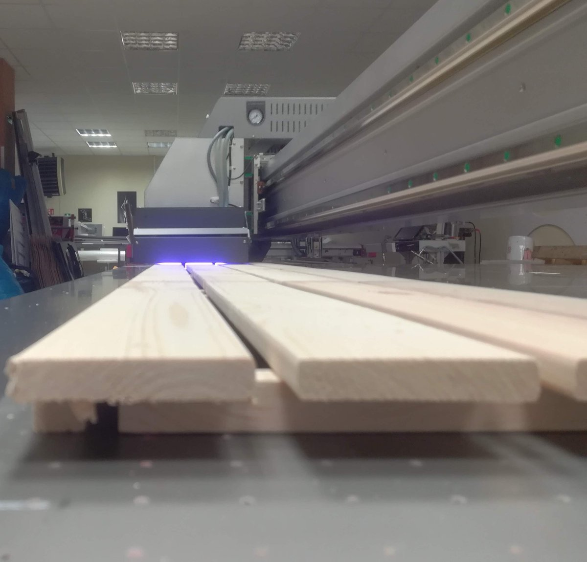 UVprinting on wood,glass,leather, ceramic etc Wood can also