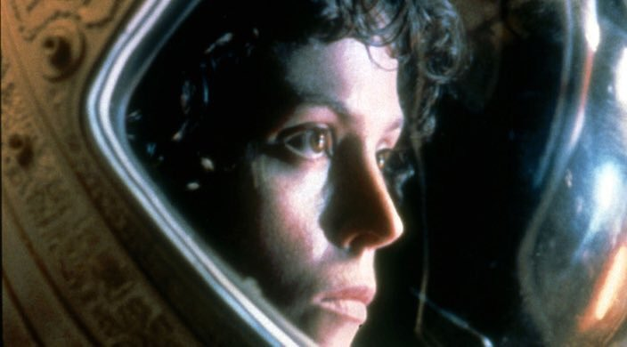 Il nous avait bien dit avoir pensé à une trilogie prequel d'Alien. Et bien Ridley Scott prépare le troisième au scénario et à la réalisation. #Alien 40 ans après le premier...déjà et oui .