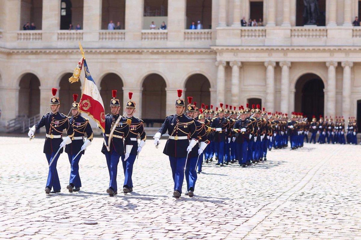 e157758a983 En visite officielle en #France jusqu'au 3 juin 2019. Quelle fierté  d'entendre l'hymne national #Malagasy à l'Hôtel des #Invalides !