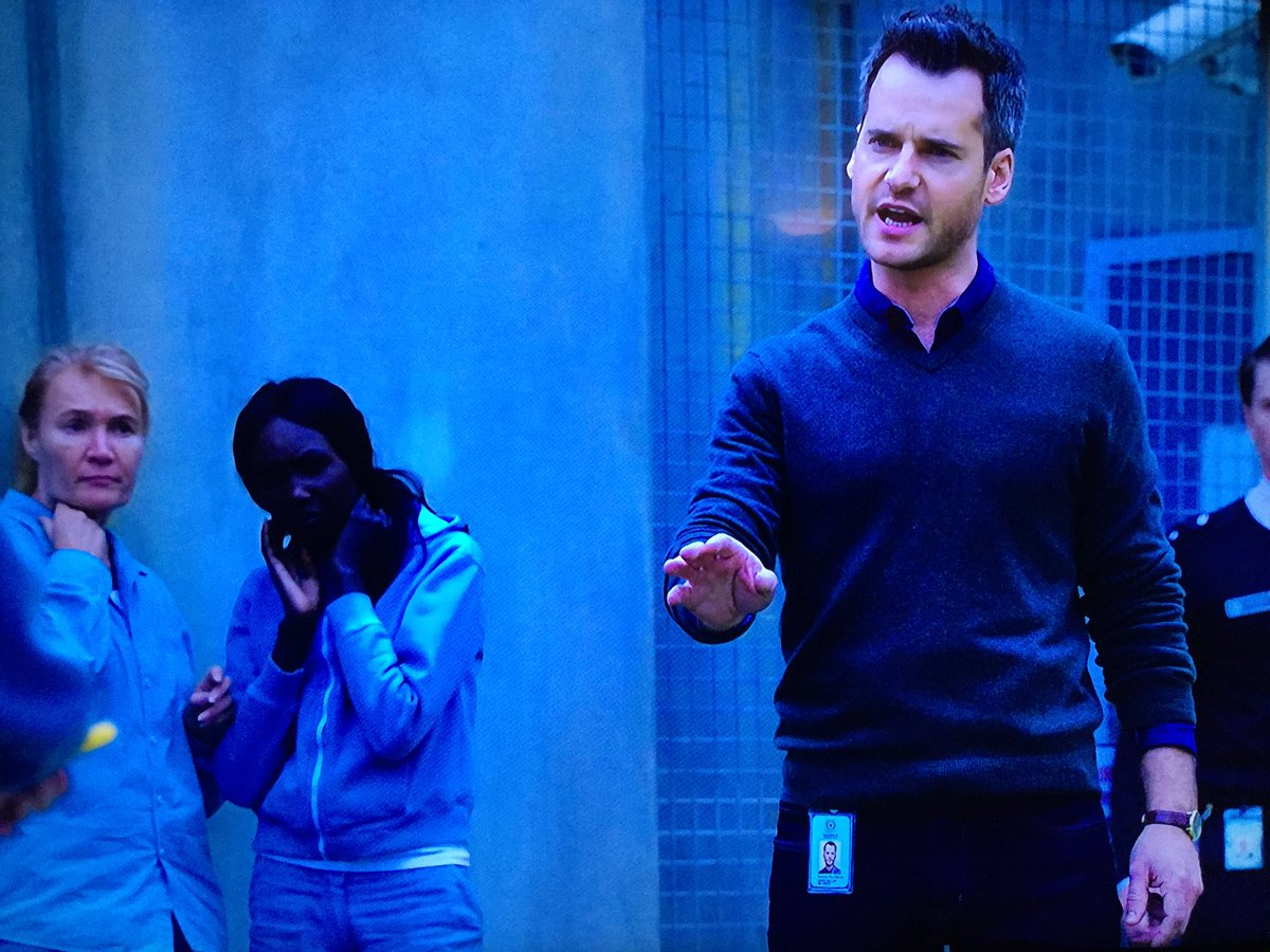 d9c24655dc ... the new @Wentworth doctor, forensic psychiatrist Greg Miller - played  by @daviddelautour - looks remarkably like a certain @BreakfastNews  meteorologist!