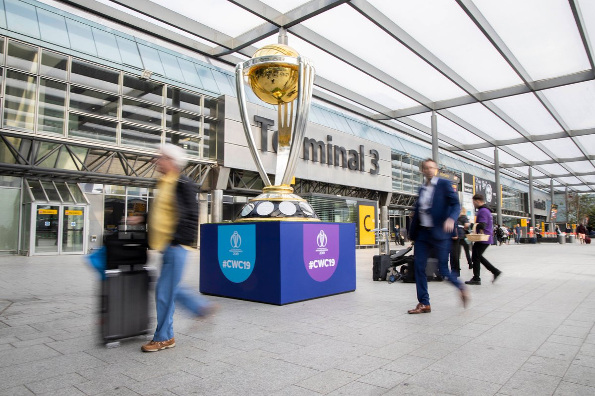 The giant @cricketworldcup trophy has landed at Heathrow T3, with our passengers enjoying photo opportunities with the one and only @philtufnell. 🏆🏏 Travelling this Summer? Join us for some British sports celebrations: http://www.heathrow.com/cricket?CMP=SO-SPGR-HRW006… #SportIsGREAT #CWC19 #HeathrowSport