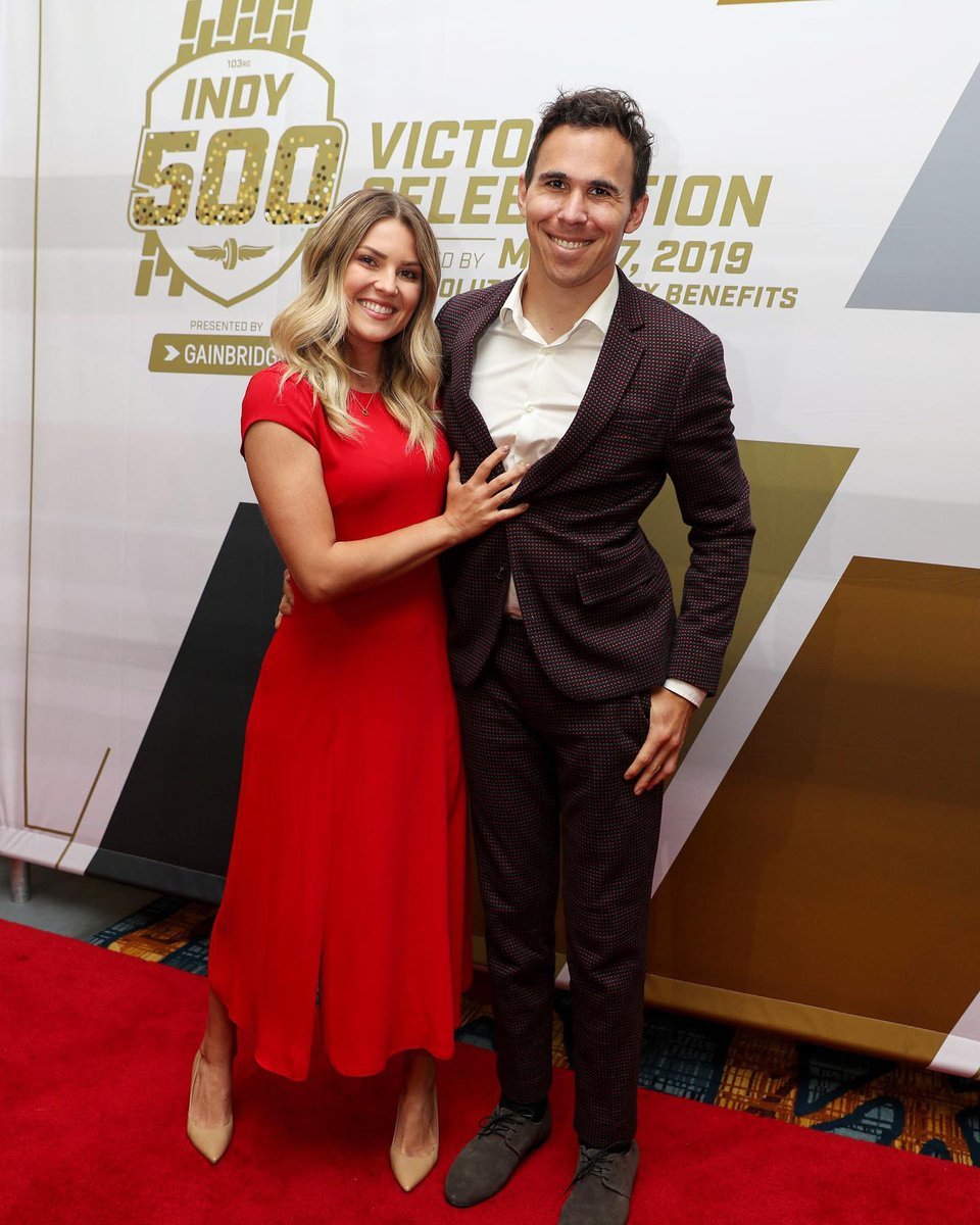 Last night @itskarliwoods and I did a party trick! 🎉 What a great event! Thank you IndyCar for the invitation and congratulations to @team_penske and @simonpagenaud on an amazing race and accomplishment. 📷 @indycar