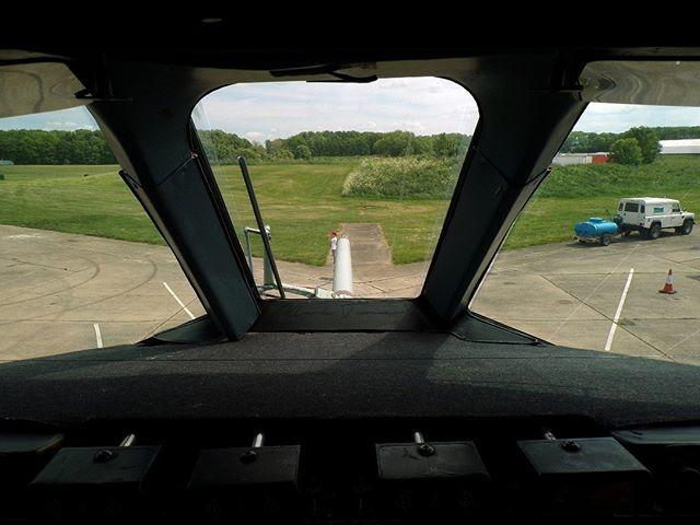 25/05/2019 - Bruntingthorpe Airfield  View from @ZD241_VC10 Cockpit  #vickers #VC10 #zd241 #bruntingthorpe #avgeek #POTN #spottersalliance #theukspotters #airportmagazine #aviation #aviationlovers #aviationphotography #loveplanespot #avion4u #baviation #… http://bit.ly/2wraNKi