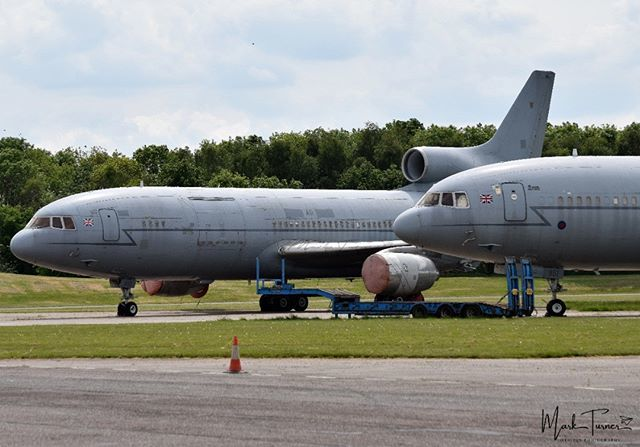 25/05/2019 - Bruntingthorpe Airfield  Ex RAF Lockheed L-1011 Tristar's ZD950 & ZD951  #lockheed #tristar #l1011tristar #ZD951 #ZD950 #bruntingthorpe #avgeek #POTN #spottersalliance #theukspotters #airportmagazine #aviation #aviationlovers #aviationphotog… http://bit.ly/2QxFCGj