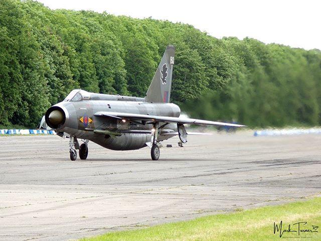 26/05/2019 - Bruntingthorpe Airfield - @bruntycwj Day English Electric Lightning XS904  #englishelectriclightning #XS904 #bruntingthorpe #avgeek #POTN #spottersalliance #theukspotters #airportmagazine #aviation #aviationlovers #aviationphotography #lovep… http://bit.ly/2WyxBGu