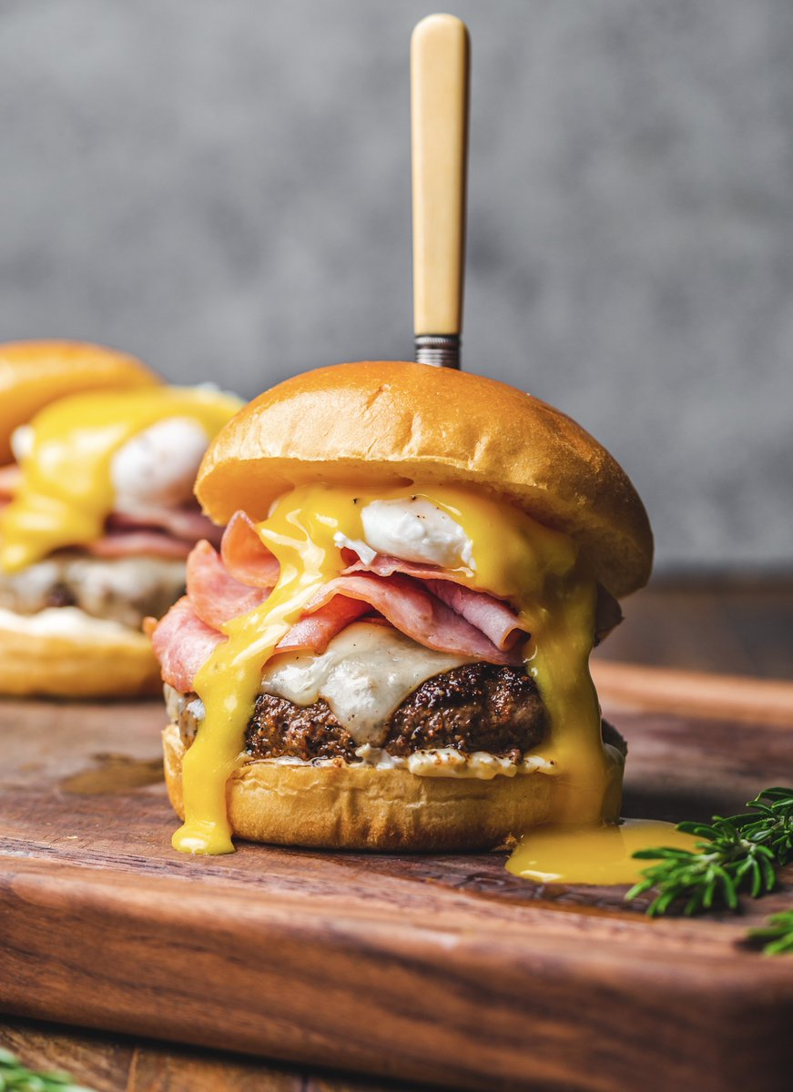 We're celebrating #NationalHamburgerDay with this Eggs Benny Burger by #BrieWilly: https://t.co/BnlxCl9YNi https://t.co/hrX2CnfRxY