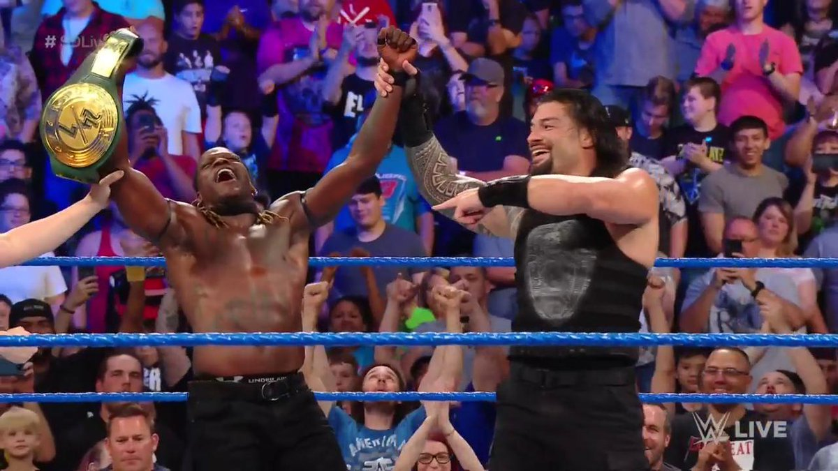 Roman Reigns Helps R-Truth Win Back The WWE 24/7 Title On SmackDown (Video)