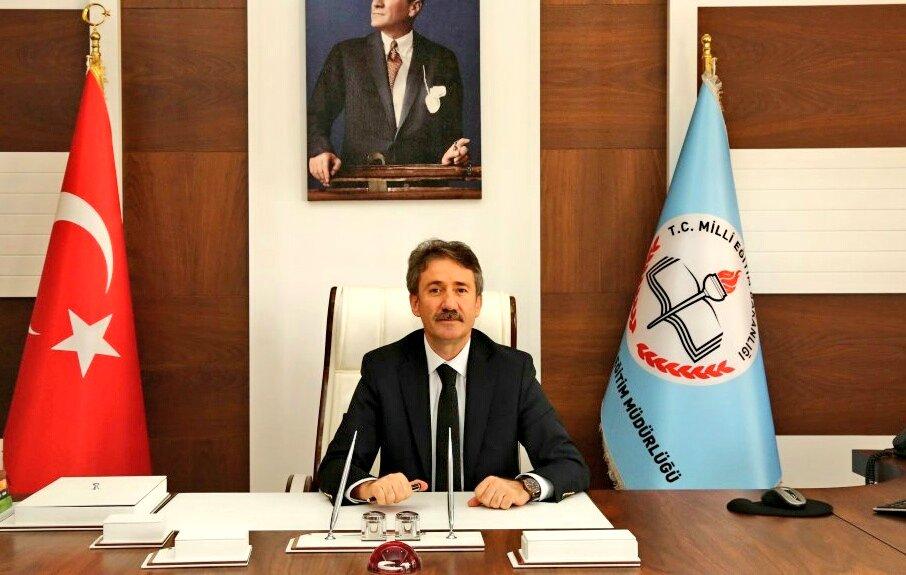 İl Millî Eğitim Müdürümüz Sayın Levent Yazıcı, 29 Mayıs İstanbul'un Fethi'nin 566. yıl dönümü münasebetiyle bir mesaj yayımladı. @tcmeb @ziyaselcuk @memleventyazici  ☞ https://istanbul.meb.gov.tr/www/istanbulun-fethinin-yil-donumu/icerik/2582…
