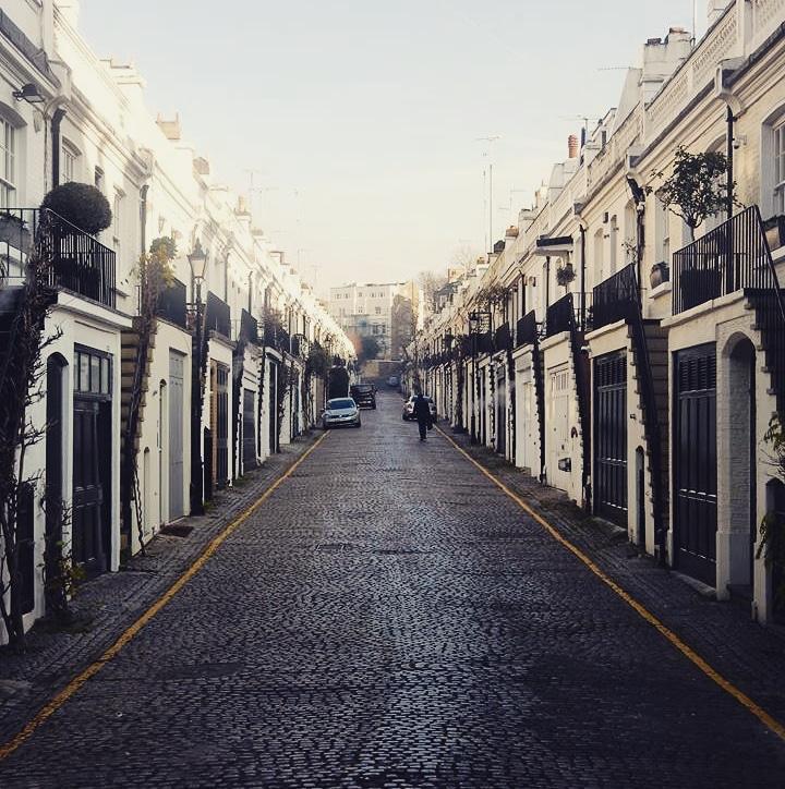ちょっとした裏道でもこのおしゃれ感!ロンドンの路地は歩いているだけでもワクワクしますね!#留学生 #留学 #IELTS #英会話 #ロンドン #london #イギリス