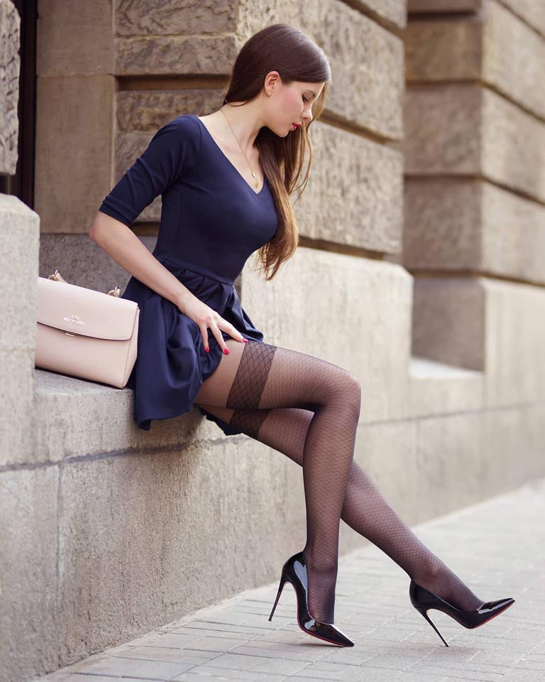 各位腿控有福了!這次為大家介紹的是來自波蘭的美女,擁有白皙的皮膚、修長的美腿、精緻的五官、優雅的舉止、時尚的穿著,總是讓男人興奮不已!  http://bit.ly/30Lpxld  #正妹快報 - http://bit.ly/2PCybxd