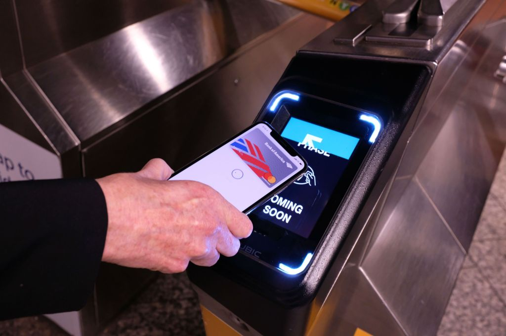 NYC subway riders will be able to swipe in with Apple Pay starting Friday by @bheater