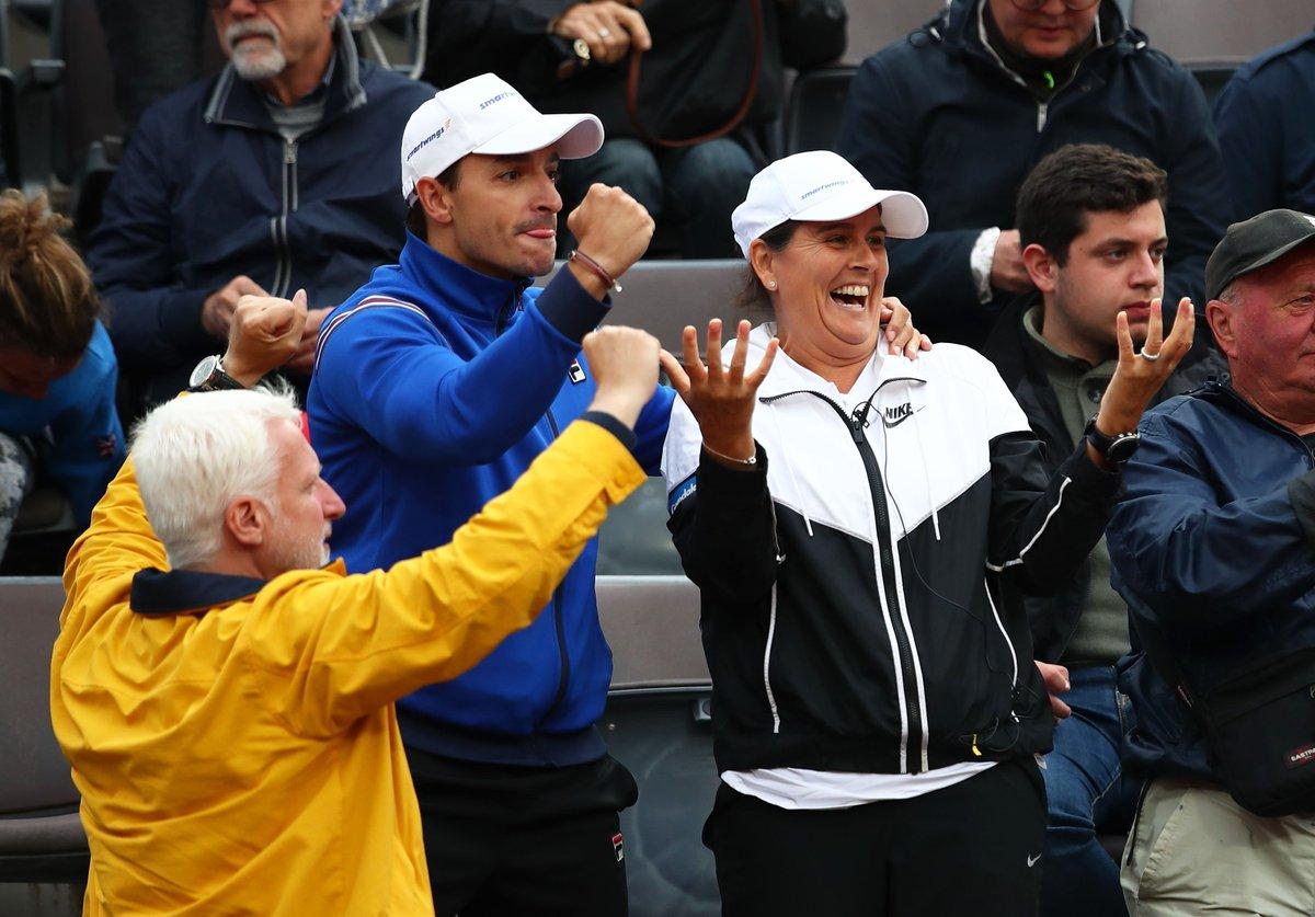 🙆♀ Vincere a Roma fa quest'effetto...  Campionessa sul campo prima (93 -> 96), allenatrice della nuova regina degli #ibi19 poi! 😍 @conchitamartinz #tbt #tennis