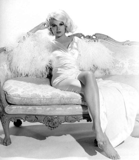 Happy Birthday to Carroll Baker who turns 88 today