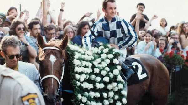 "Ahead of the @belmontstakes, we're looking back at Secretariat's big win where he earned the title of ""a tremendous machine."" ⚙️http://ow.ly/1UdX50urma8"