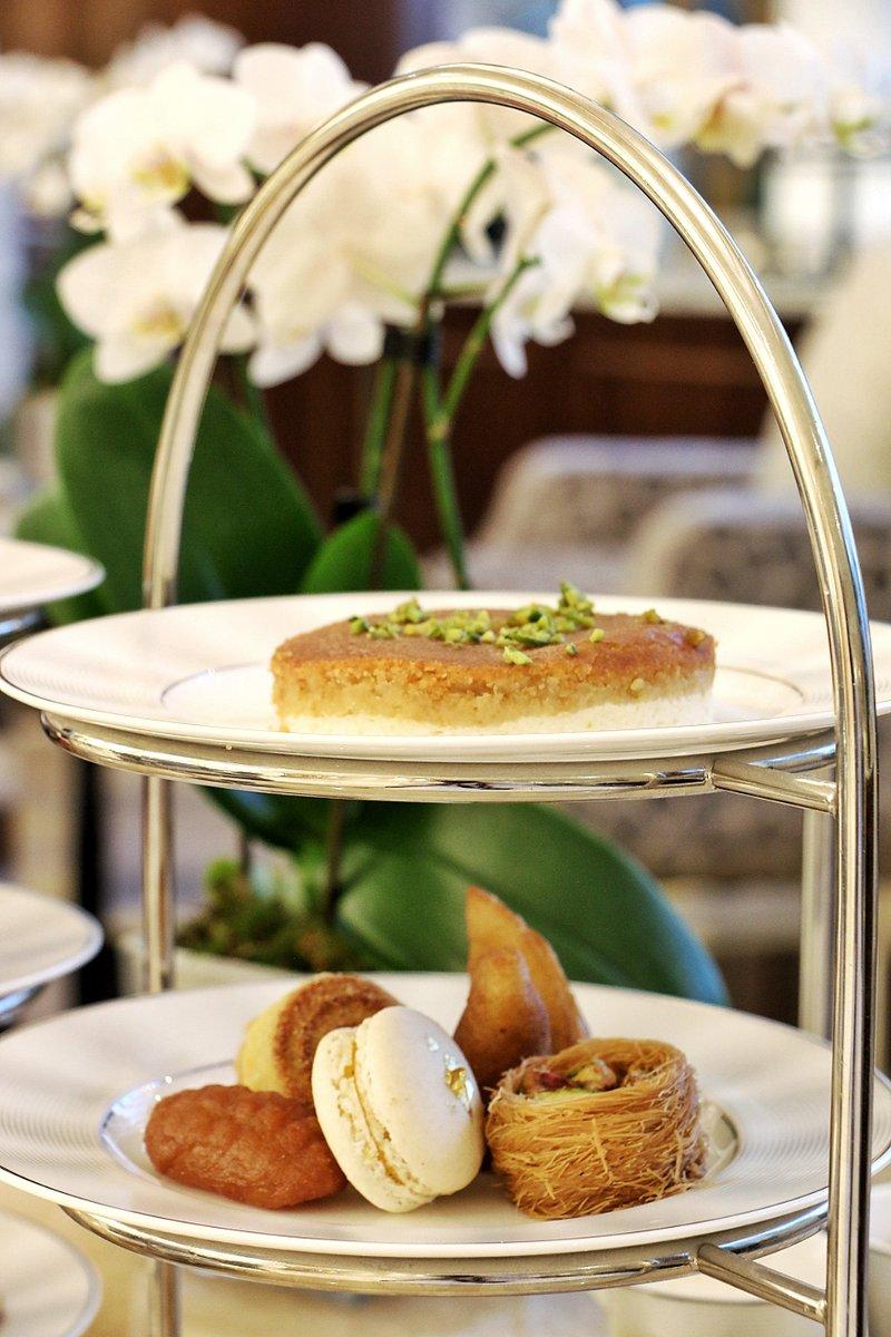 e4cd9c251 ... #AlMouj #Muscat #Oman دلل حواسك بمجموعة رائعة من الحلويات الشرقية في  #أمواج_لاونج #فندق_كمبينسكي_مسقط #الموج #مسقط  #سلطنة_عمانpic.twitter.com/apI5bIOrp2