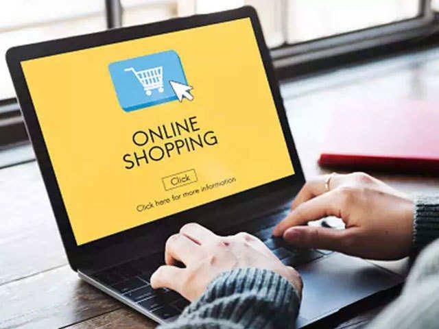 ☆Ep110『ネットショッピング??vs??』Spotifyリンク▷アメリカ人はネット商品のクオリティを信頼しているそうです?日本だと少し心配してしまいますよね?そんな違いを話してます??僕達のアマゾン注文履歴も抜き打ちチェックしました✅?#リスニング #英会話