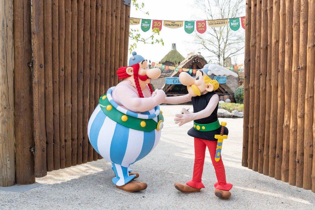 Avec qui voudriez-vous rencontrer Astérix et Obélix ? #ParcAsterix30