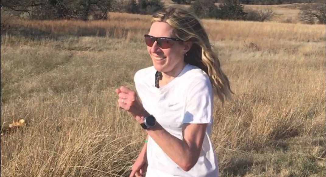 Todays workout graciously comes from the coaching program of record-holder Camille Herron (@runcamille). Run easy, do some strides, do some drills, run some more. Keep smiling the whole time. buff.ly/2Z2fBlN #readrunrepeat #findyourdirt #findyourvert #trailrunner