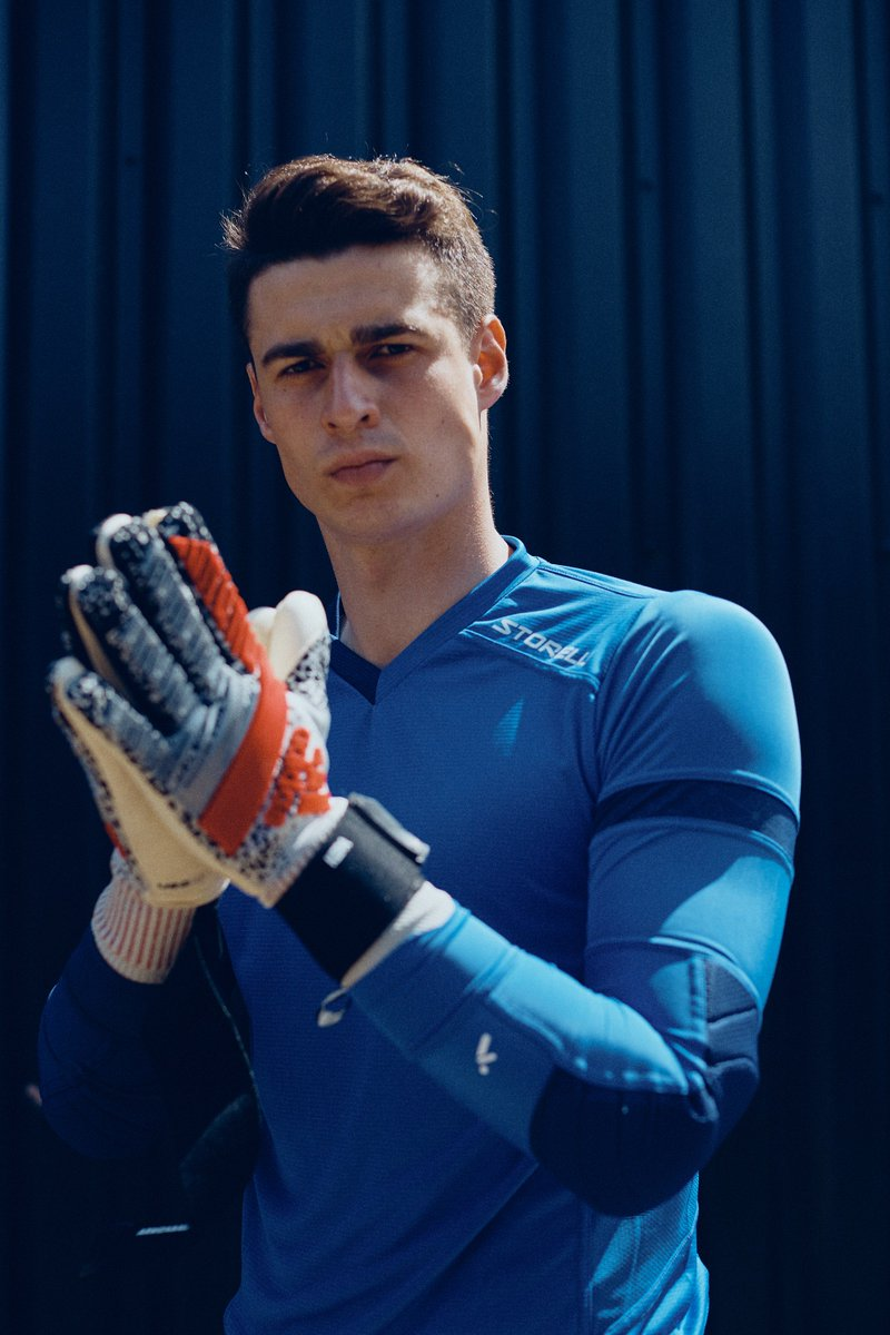 1d8fa476f92 On the brink. @kepa_46 adds @Storellisports to his repertoire. Best of Both  Worlds #AgainstAO ...