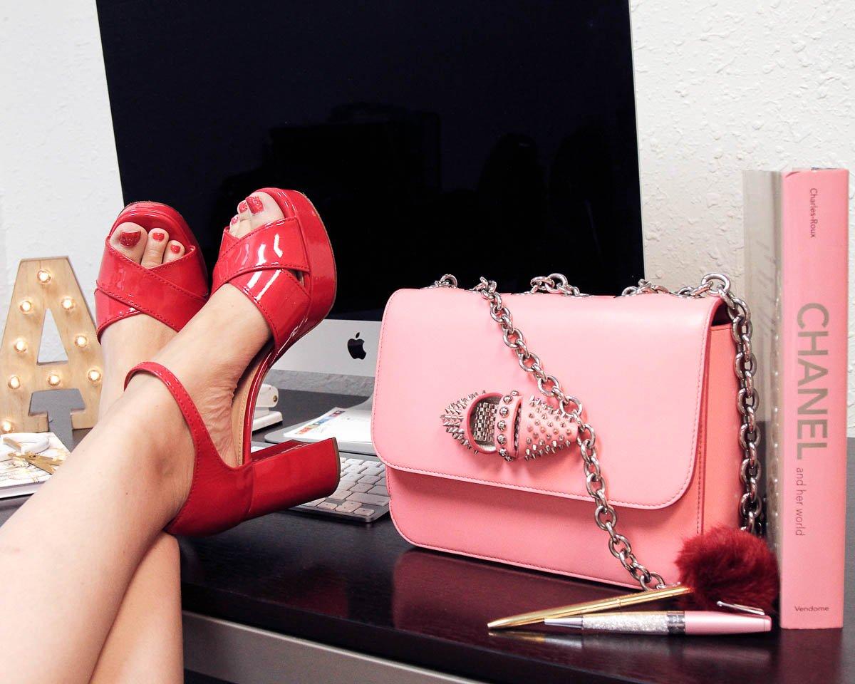 faa7491bd0aeff #CoutureUSA #luxury #designer #handbags #shoes #Tampa  #onwednesdayswewearpinkpic.twitter.com/x8UTjJN1yS