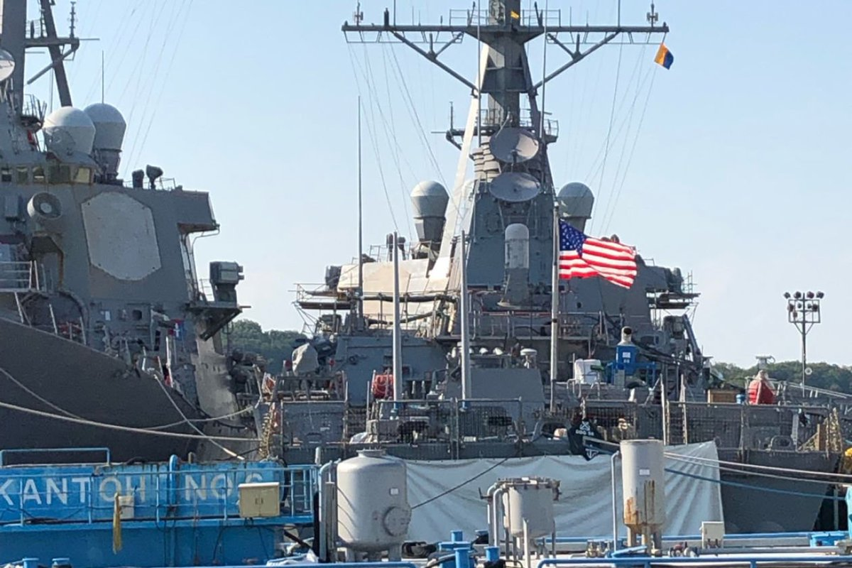 """NEW: The White House wanted the USS John McCain """"out of sight"""" for Trump's visit to Japan. A tarp was hung over the ship's name ahead of the trip, and sailors—who wear caps bearing the ship's name—were given the day off for Trump's visit. w/@glubold https://www.wsj.com/articles/white-house-wanted-uss-john-mccain-out-of-sight-during-trump-japan-visit-11559173470?emailToken=ca887c08f025f5a5b7a01dbde32c838etBzq0FwbTXJrUQ8MUigaUjoAwWzGVOHT66U4wF7JggEVN49VMPJcywDwL4QIC90yIeTde53bioBxoijKFGMKce+lggzjkFmquqfBI+eoiwkN6qJGKPyIRwCj2ZtjqkkRe2VMQFp9bRWUdJs0k7z4QA%3D%3D&reflink=article_imessage_share…"""