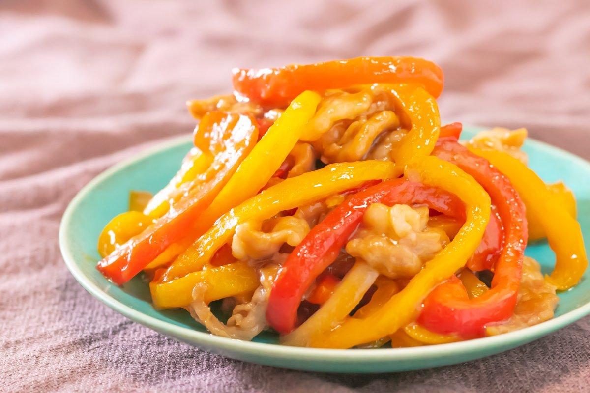 【レシピ】『中華風 豚とパプリカの細切り炒め』「これがレンジでできんの!?!?」とビックリされる