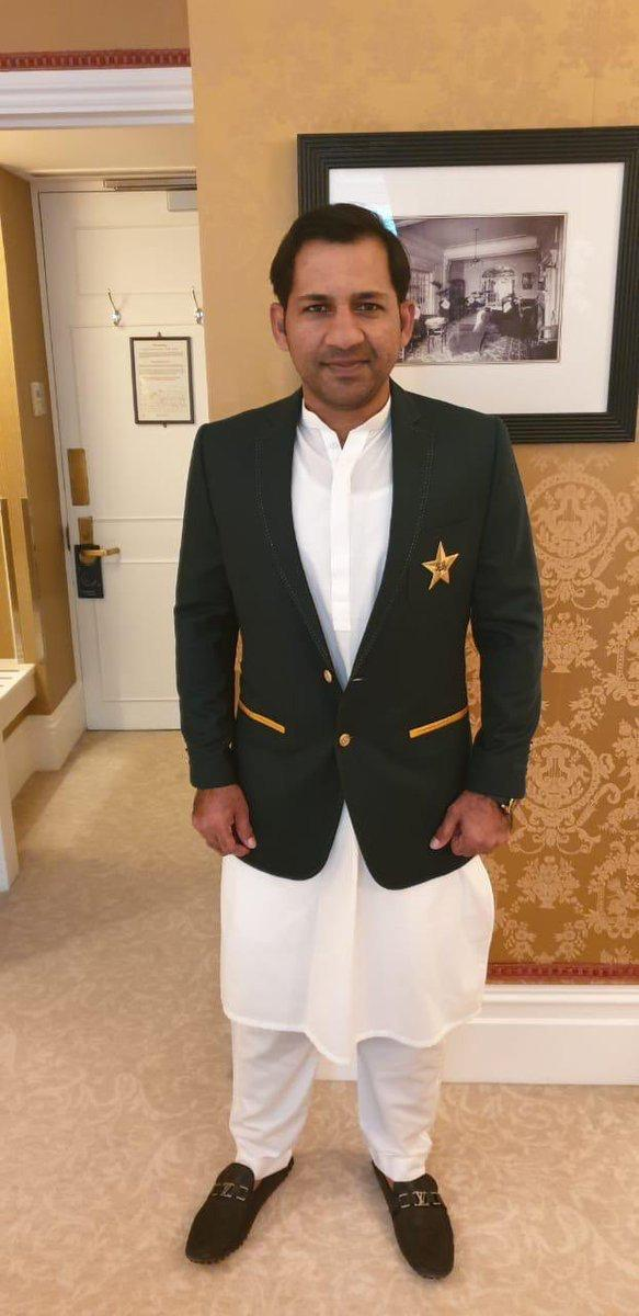 Way to go Sarfaraz! Check out PIA's pride, our very own captain looking handsome as ever in our national dress and we wish the best of luck to team Pakistan! Break a leg! #PIA #CWC19 @SarfarazA_54