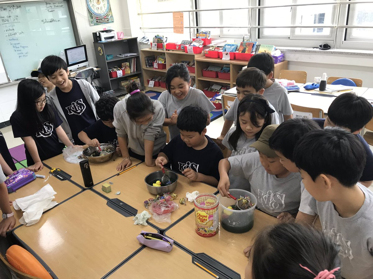 The G6 team at #KISJ has done an amazing job continuing Ss service learning and leading week in March. Today, teams of students went into G3 to teach them all about the Plastic Epidemic. #studentsteachingstudents #authenticlearning #designprocess