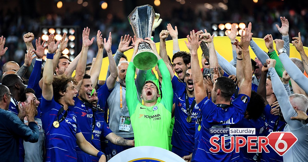 """🧤 Rob Green's time with Chelsea has been amazing:  😬 Made 0 appearances in all competitions ☕️ Said """"at away games I find a cup of tea and go sit in the stand"""" 😫 Hasn't played an official football match in 645 days  Absolute LIMBS as he lifts the Europa League trophy. 🤣 #CFC"""