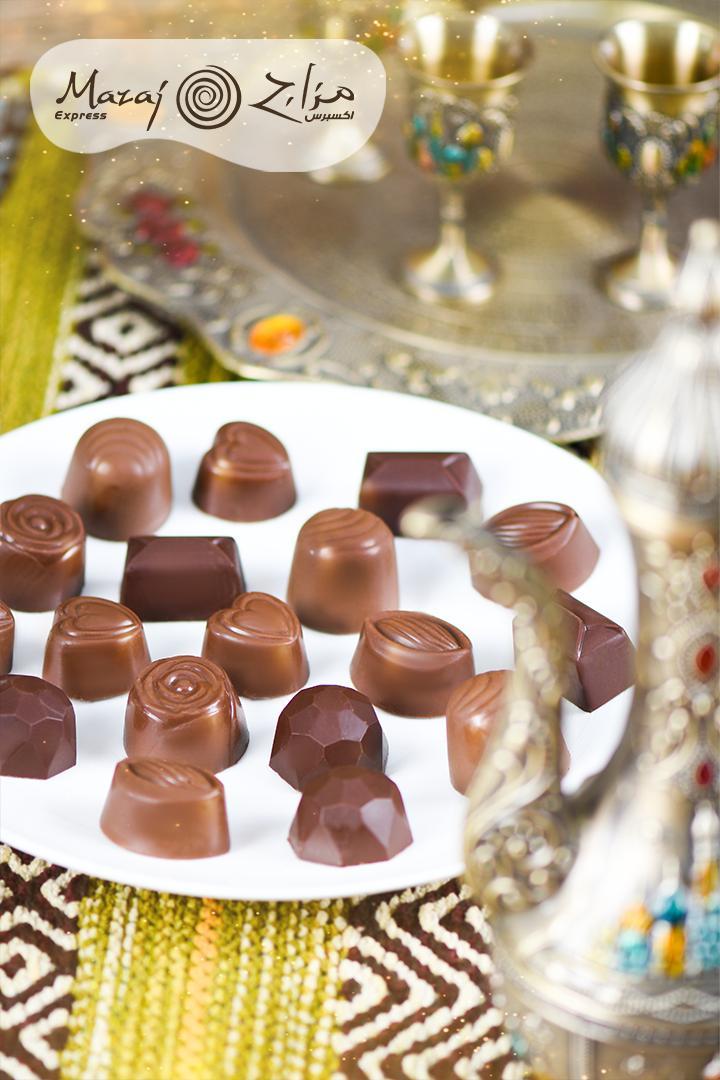 لحظة تقديم شوكولاتة مزاج هي لحظة العيد المنتظرة، دلل ضيوفك بشوكلاتة مزاج الفاخرة😍😋 https://t.co/Jsc4BbOTQa