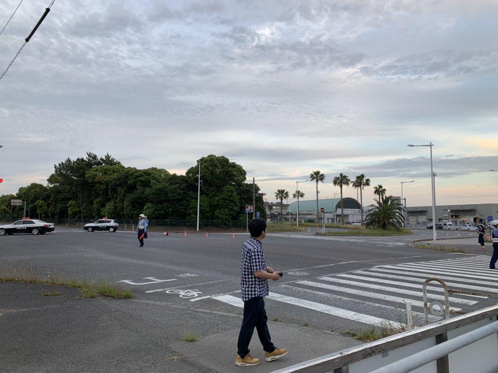 山口宇部空港ターミナルが不審物発見で封鎖されている現場画像