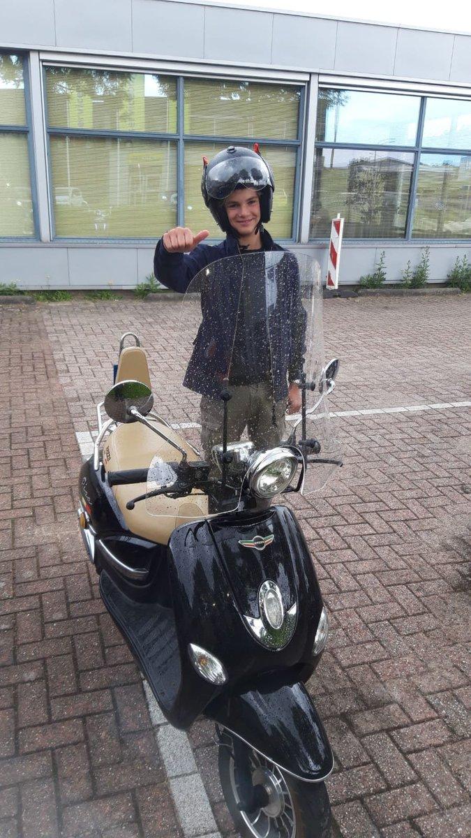 test Twitter Media - Ralph Vuijk van harte gefeliciteerd met het in 1x behalen van je scooter rijbewijs! https://t.co/TE8F6zofRx