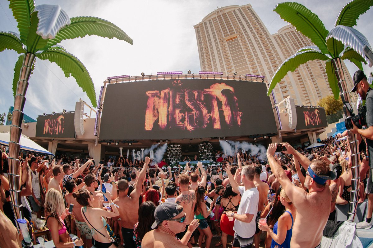 Party all night & day with @tiesto this weekend at @OMNIALasVegas 6.14 & #WetRepublic 6.15! Tickets: https://t.co/udEYlkCTGW https://t.co/sqez6A6v8s