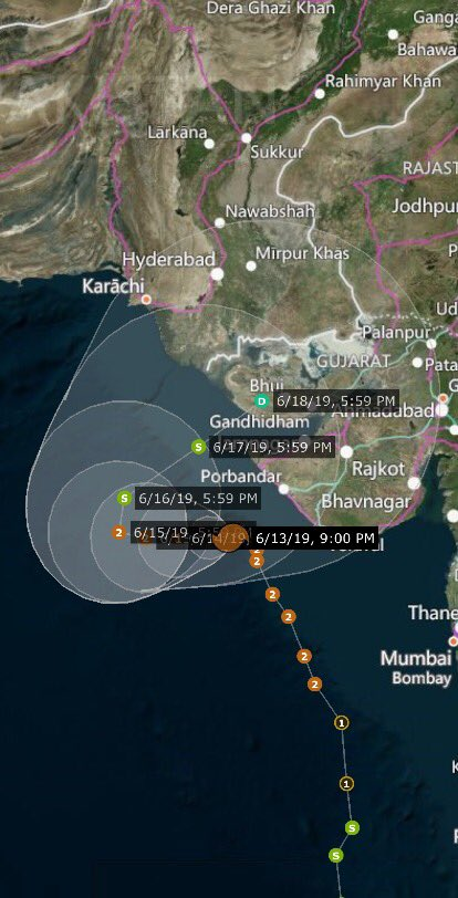 The folks in Gujarat India Might need to stay put for the next coming days, because #CycloneVayu is going to be doing the unthinkable, making a U-turn and heading straight back for The coast, making landfall as a weak tropical storm. please people, do not leave your shelters.