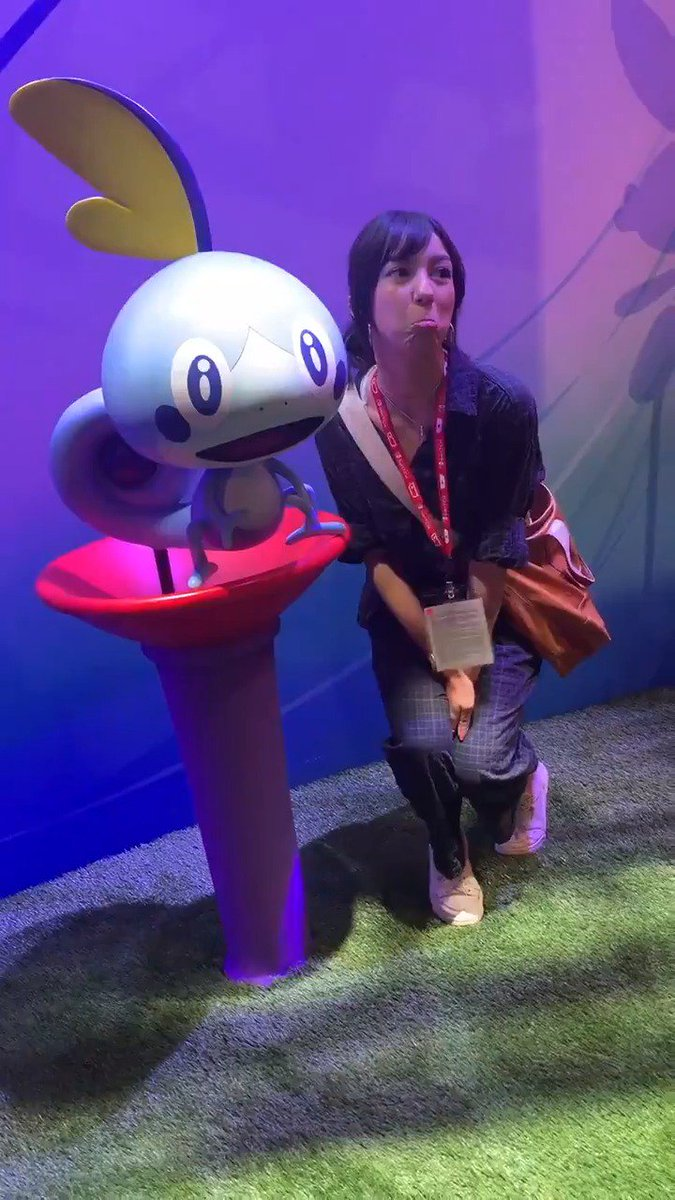 Of course, you don't need to play favorites—you can also pose with all three. 😉 #E32019 #PokemonE3