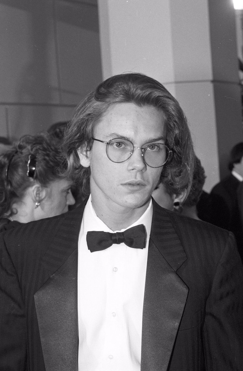 Hollywood Oral History: How River Phoenix Became an Actor.  https:// bit.ly/2wTC7kC      #actorslife<br>http://pic.twitter.com/f0tx3mt0H1