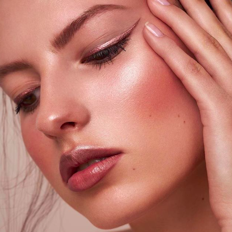 Soft, elegant and flawless look created for @artdeco_cosmetics by @hair.and.makeupartist.sarah using our Bronzing Blush 😍 ⠀⠀⠀⠀⠀⠀⠀⠀⠀ Image credit: @yveadore ⠀⠀⠀⠀⠀⠀⠀⠀⠀ #artdeco #artdecocosmetics #naturalmakeup #naturalmakeuplook #softmakeuplook #velvetscarlet