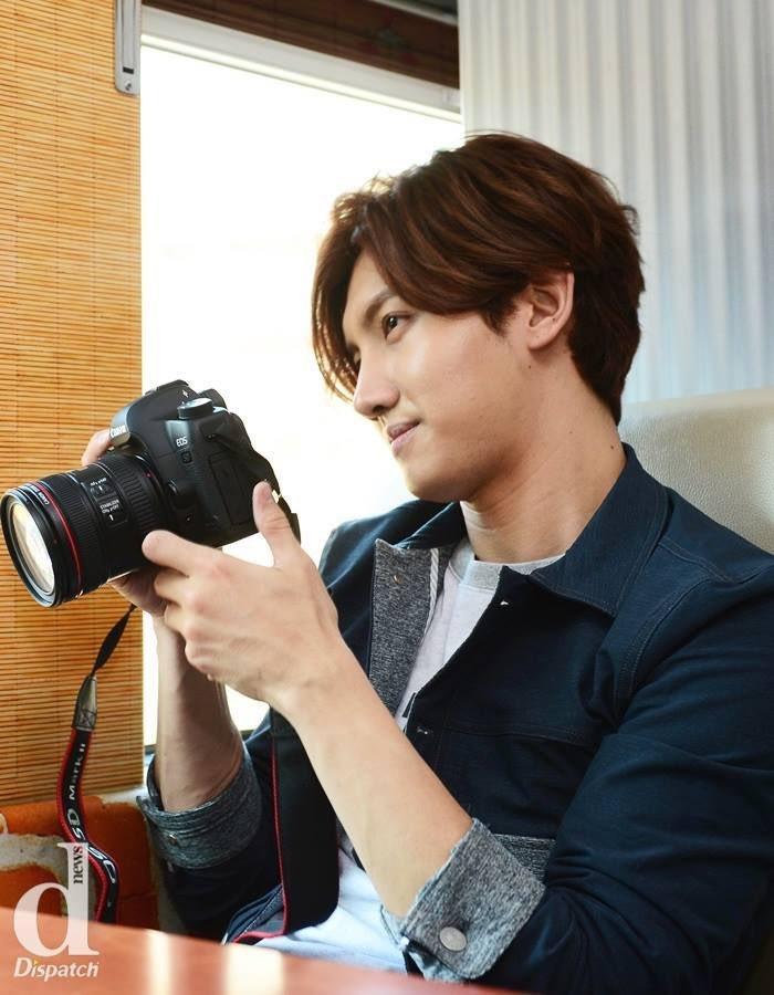 チャンミンにユノの写真撮ってもらえばいいのになぁ そしたら記者さんたちとは違うユノが見られると思うのになぁ