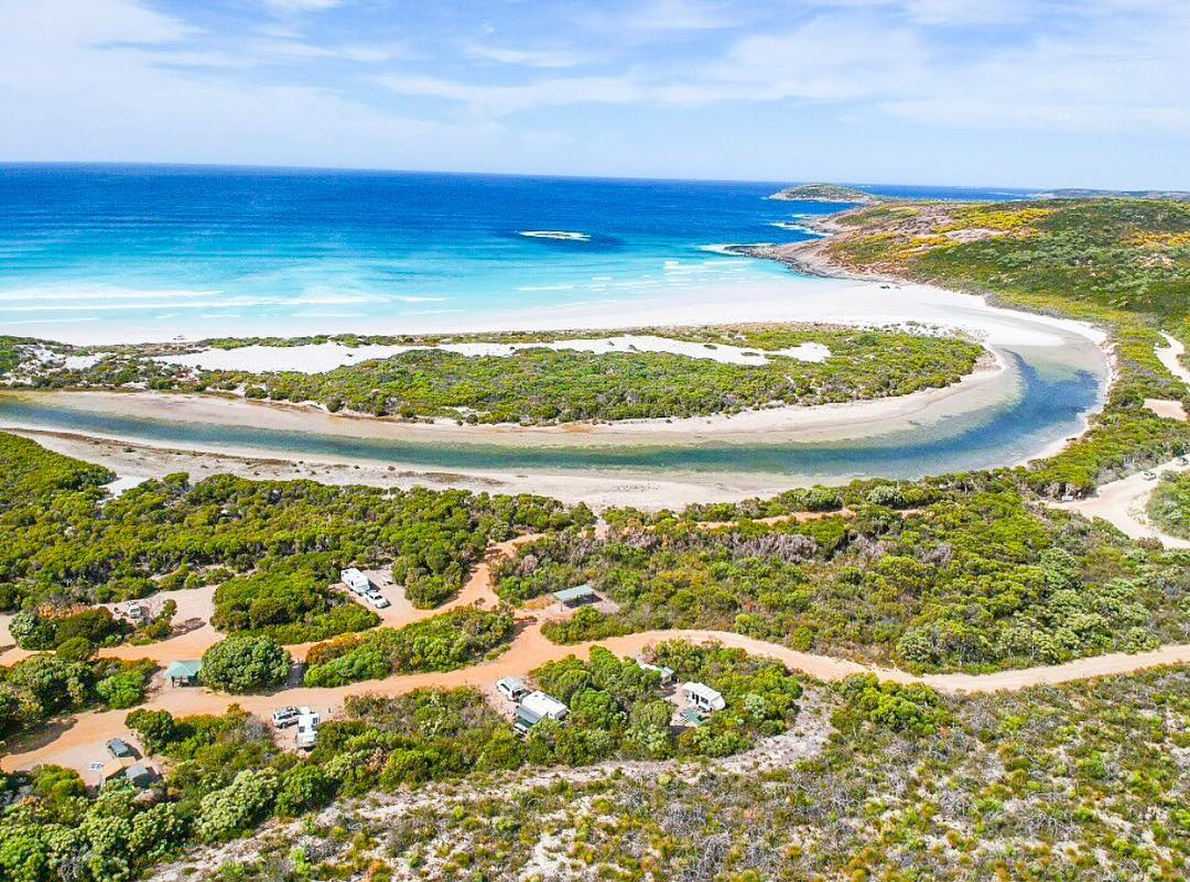 If you're a fan of 4 wheel driving along vast white beaches, camping under star-filled skies, taking in colourful wildflowers and spotting whales in the distance, a visit to Cape Arid National Park east of Esperance is a must! Pic: IG/life_on_the_open_road_au #goldenoutback